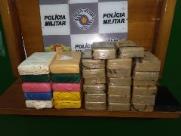 Polícia apreende 30 kg de drogas em fundo falso de caminhonete