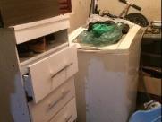 9 mil cápsulas com cocaína estavam escondias atrás de máquina de lavar