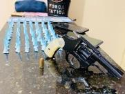 Jovem é preso com revólver, pinos de cocaína e dinheiro falso no Zavaglia