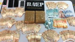 Baep prende 4 suspeitos enquanto negociavam venda de cocaína