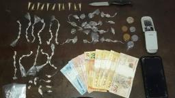 Quatro adolescentes são detidos por suspeita de tráfico de drogas