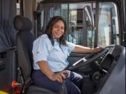 Edileusa tem orgulho de ser a primeira das quatro motoristas da Turb
