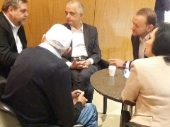 Edinho e lideranças políticas com o governador Márcio França no Agenda Araraquara - Foto: Da reportagem
