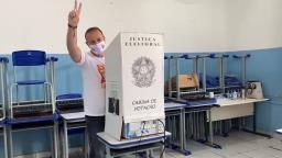 Candidato Edinho Silva (PT) vota em Araraquara