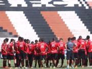 Botafogo enfrenta o Audax no estádio Santa Cruz