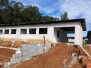 EMEB em construção no Jardim Araucária recebe cobertura definitiva