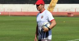 Jogadores do Botafogo seguem treinamentos pela internet