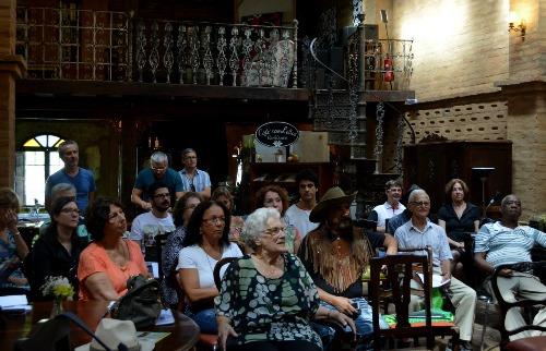 ACidade ON - São Carlos - Encontro reúne poetas amadores e profissionais anualmente (Foto: Nalu Fernandes)