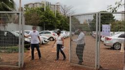 Portões são fechados para aplicação do Enem em Ribeirão