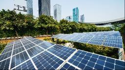 A descentralização da energia e o empoderamento dos consumidores.