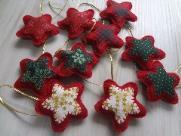 Oficina gratuita de artesanato irá ensinar a confecção de enfeites de Natal