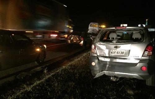 Engavetamento entre três veículos envolve sete pessoas na Washington Luís - Foto: ACidade ON - São Carlos