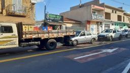 Engavetamento entre 4 veículos provoca congestionamento em São Carlos