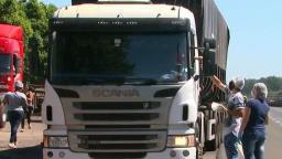Grupo distribui 175 marmitas para caminhoneiros na SP-310 em São Carlos
