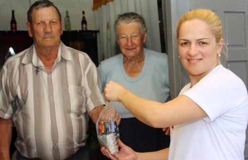 Divulgação / Câmara de São Carlos - Entrega de remédios a domicílio, em São Carlos (Divulgação / Câmara de São Carlos)