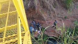 Adolescente fica ferido após cair de ponte em Américo
