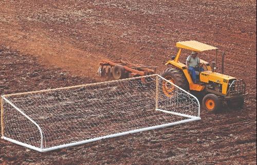 Escolinha do Botafogo receberá novo gramado (foto: Matheus Urenha / A Cidade) - Foto: Matheus Urenha / A Cidade