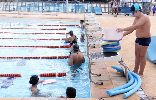 ACidade ON - Araraquara - Escolinhas de Esportes estão em quase 40 bairros de Araraquara
