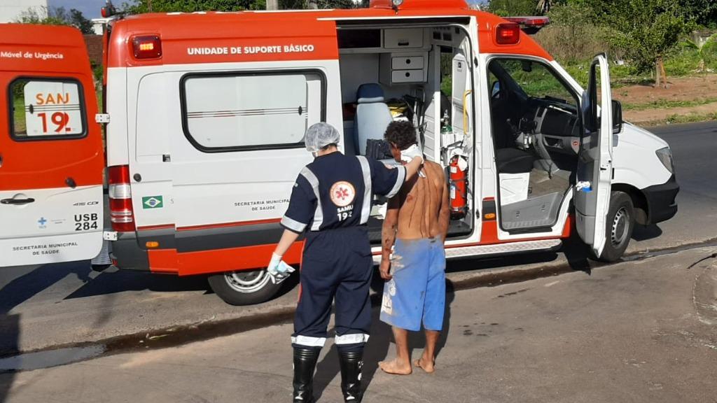 Homem foi socorrido por uma equipe do Samu. Foto: ACidade ON São Carlos - Foto: ACidade ON - São Carlos