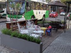 Espaço é motivo de polêmica porque restaurante estaria usando espaço público. Foto: Código 19 - Foto: Código 19