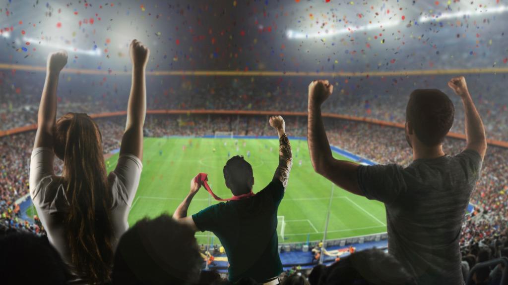 Torcida no estádio de futebol - Foto: Freepik