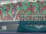 Egito quer US$ 1 bilhão do navio Ever Given