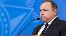Fora da agenda, Pazuello negociou Coronavac com intermediária e pelo triplo do preço