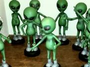 Óvnis e extraterrestres viram tema de exposição em shopping de Ribeirão