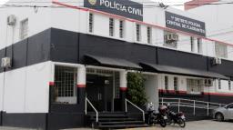 Homem é preso com carro roubado após perseguição no Centro de Campinas