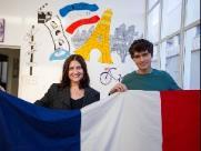 Mãe e filho franceses confiam no técnico Didier Deschamps