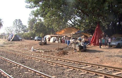 Famílias despejadas de assentamento completam sete meses sem ter onde morar - Foto: EPTV