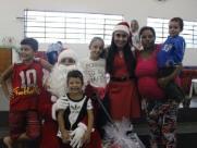 Associação de Basquetebol de Araraquara participa da entrega de presentes no Jardim Itália