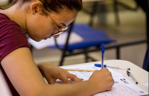 Estudante durante prova do Vestibular 2019 da Fatec - Foto: Gastão Guedes/Fatec