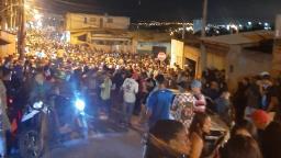 Festa no Oziel aglomera pessoas sem máscara até de manhã