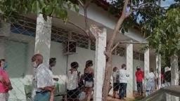 Atraso na vacinação causa fila de idosos em posto da zona Oeste