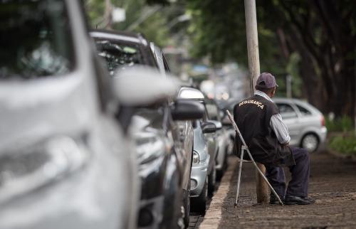 Weber Sian / A Cidade - Flanelinhas foram flagrados pelo ACidade ON na avenida Nove de Julho