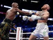 Mayweather vence McGregor por nocaute técnico na 'luta do século'