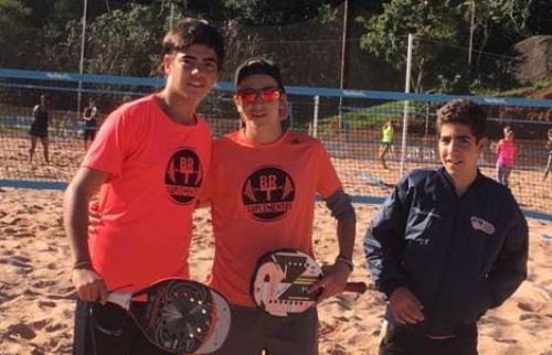 (Foto: Divulgação) - Foi o quarto primeiro lugar de Caique Spadari e seu parceiro Maurício Mola em seis torneios disputados neste ano (Foto: Divulgação)