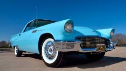 Ford Thunderbird de 1957 raríssimo vai a leilão