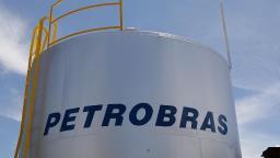 Preço do gasolina em refinarias da Petrobras cai 5%