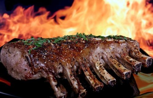 Acusado conseguiu pegar 35 quilos de carne de carneiro (foto ilustrativa: divulgação / Pixabay) - Foto: Divulgação