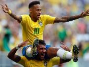 Com Neymar inspirado, Brasil bate o México e vai às quartas