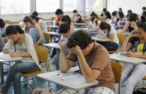 Estudantes fazem prova do Vestibular Fuvest - Foto: Jornal da USP