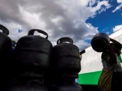 Gás começou a ser reajustado em Ribeirão Preto, mas ainda é possível achar botijão com preço antigo - Foto: Milena Aurea / A Cidade