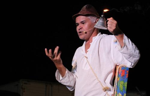 Gero Camilo interpreta Zé na peça solo 'A Procissão' (Foto: Wagner Linares/Divulgação) - Foto: Wagner Linares/Divulgação