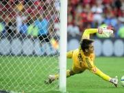 Santos perde a terceira seguida e fica mais longe da Libertadores