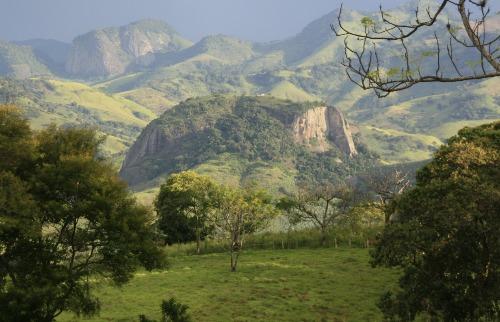 Acervo Setur MG / Sérgio Mourão - Belas paisagens e clima agradável encantam os turistas