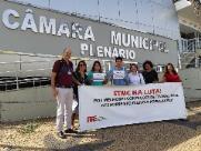 Grupo de enfermeiros protesta contra fala de vereador
