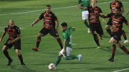 De técnico novo, Guarani volta a tropeçar no Brinco de Ouro