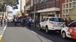 Guarda Municipal e PM tenta impedir manifestação de empresários em Araraquara
